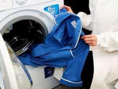 Lavagem de uniforme de eletricista