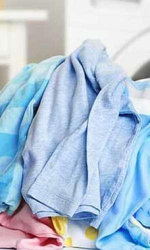 Lavagem de uniformes de futebol