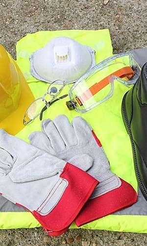 Limpeza de uniformes e equipamentos especiais
